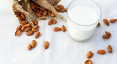 Glas-of-Almond-Milk-and-re-usable-shopping-bag